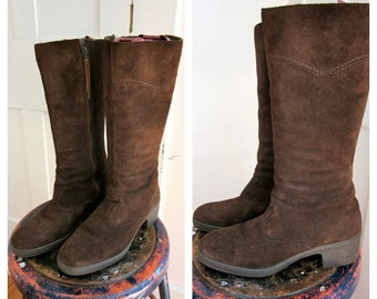 """Vintage Suede Boots - Brown - 1970s - 70s - High Boots - Zipper Side - Fleece Lined - Cool Boots 2"""" Heel - Size 10 -"""