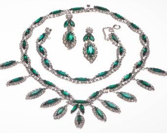 Early 1950s Kramer Parure Emerald Green Clear Rhinestone Set Necklace Bracelet Earrings