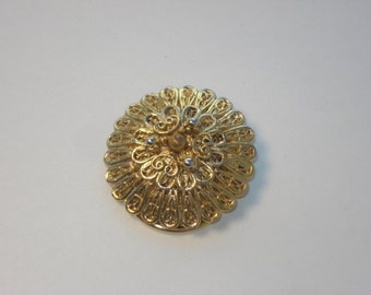 Vintage Clip On Circle Scarf Ring - Pinless Brooch - Costume Jewelry Brooch 1960s - West Germany