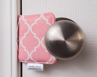 The Original Cushy Closer Door Cushion - Pink & White Quatrefoil (small) - Door Latch Cover