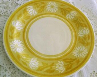 Retro Dinner Platter, 1970s Round Platter, vintage yellow and white china, 12 inch meat platter, ironstone serving platter tableware