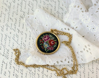 "Avon  ""floral Point""  locket  necklace gold tone needlepoint tapestry - Vintage  1977"