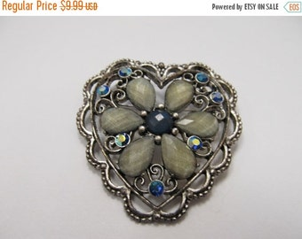 ON SALE 1928 Manufacturing Company Jeweled Heart Pin Item K # 1903