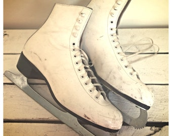 Vintage red wing white leather ice skates / white ice skates / size 7.5 ice skates / ice skates made in England / Riedell ice skates / women