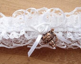 Kitten wedding garter, white garter, cat pendant garter, bridal garters, toss garter, keepsake garter, elegant garter, garter with cat