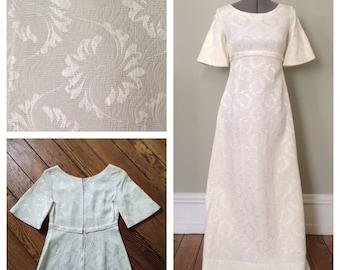 Elegant and Simple Mid-Century Empire Waist Wedding Dress - Size XS