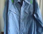 Vintage 70s HAND EMBROIDERED Denim Chambray Shirt sz L/XL