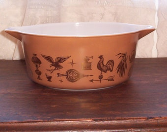 Vintage Pyrex Early American casserole dish 2 1/2 Quart brown pyrex dishes