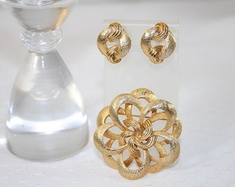 Corocraft Pin Brooch Earring Set Vintage Classic Goldtone Any Occasion