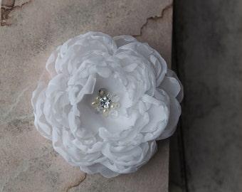Bridal Flower Headpiece, Rhinestone Hair Clip, Rhinestone Wedding Hair Flower, White Bridal Fascinator, White Flower Brooch