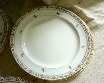 Set of 8John Maddock and Sons England Dinner and Salad  Plates