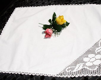 Table cover, Table topper, hand corchted lace detailing, cottage chic, French country decor, 24x20 oblong, table linens, wedding cloth