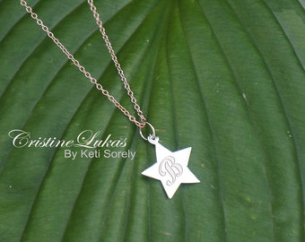 10K, 14K or 18K - Hand Engraved Dainty Star Charm Neckalce - Personalized Script Initial - Yellow, Rose or White Gold