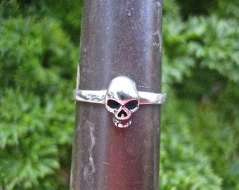 Vintage 925 Sterling Silver Skull Ring