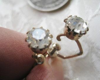 Vintage  Dazzling Rhinestone Screwback earrings boho mod Very good no condition issues