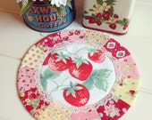 sweet vintage strawberry patchwork doily no.4