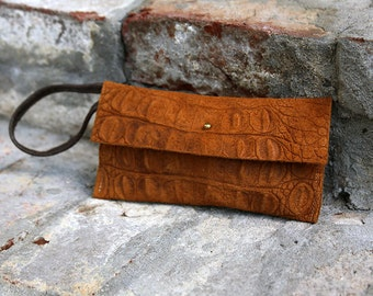 Ergo Wristlet - Brown Embossed Leather