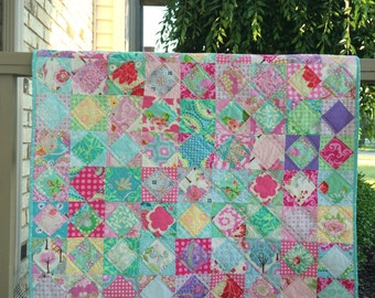 Baby girl economy patch scrap quilt