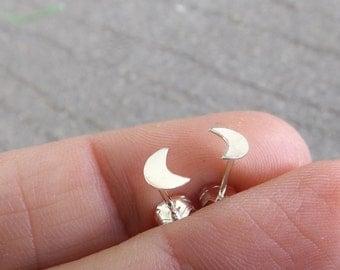 Silver Moon Earrings, Silver Crescent Earrings, Tiny Moon Studs, Silver Crescent Studs, Boho Earrings, Moon Child, Sterling Silver Moon, FMJ