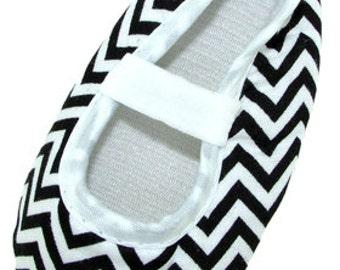 Black and White Crib Shoes