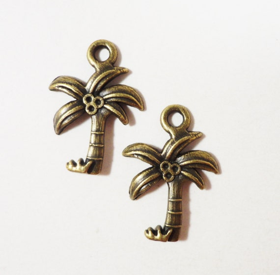 Palm Tree Charms 22x15mm Antique Brass Metal Tropical Charms, Palm Tree Pendants, Jewelry Making, Craft Supplies, Bracelet Charms, 10pc