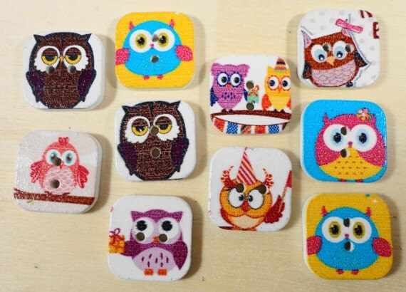 Wooden Owl Buttons 15mm Square Assorted Colorful Painted Wood Owl Buttons Two Hole Buttons Scrapbooking Sewing Buttons Craft Supplies 10pc