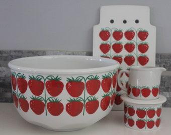 "I see strawberries everywhere  Arabia ""Pomona Strawberry"" 6 piece set"