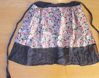 lovely vintage floral apron
