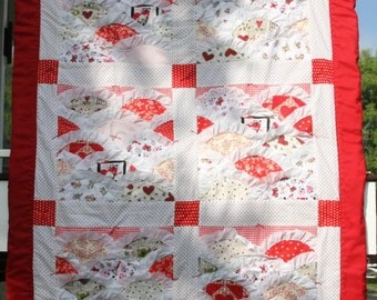 Red Hearts - Lacy Scalloped Quilt