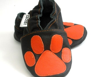 soft sole baby shoes leather infant kids children girl boy gift new paw print orange on black 12-18 m ebooba 98-3