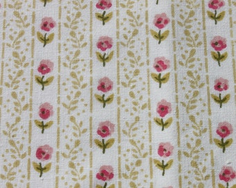 Vintage Pink Flower Cotton Fabric, Old Fashioned Floral Romantic Shabby Chic Quilting Sewing Fabric, 2 yards