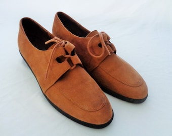 Vintage Chestnut Suede Leather Hush Puppies Shoe Oxfords 1970s
