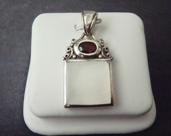 Sterling Silver Garnet Mother of Pearl Pendant P142
