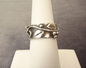 Sterling Silver Carved Leaf Band Ring Sz. 6 1/2  R61