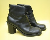 Vintage 90s Black Leather Chunky Heeled Ankle Boots / Chelsea Boots / Size 6.5 / MIA