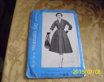 Amazing Vintage 1953 Ladies Shirtwaist Dress Size 18 Bust 36 Woman's Day 5085