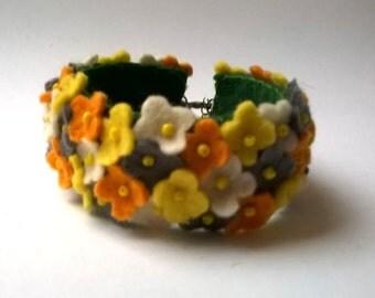Felt bracelet - blue Spring Flowers - handmade felt bracelet - small flowers - wool felt