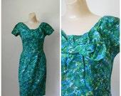 Sale 1950's Dress / Vintage Dress / Cotton Floral Dress / Wiggle Dress / Pin Up Dress / Mid Century Dress / I Magnin S/M
