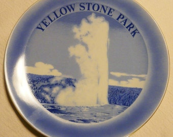 Vintage YELLOWSTONE National Park Collectible Plate