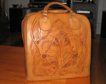 1950-1960s Rare Mexican Hand-Tooled Leather Bowling Bag