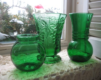 Anchor Hocking green vases. Set of 3 green vases, flower pot embellishment.