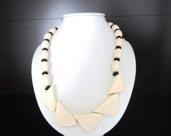 Lucite Bib Necklace Geometric Deco Style Ivory & Black Colors 18 Inches