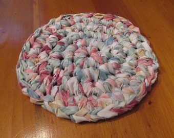 Crocheted Fabric Hot Plate