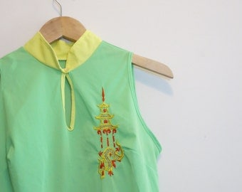 1960s nightie night gown neon green with dragon and pagoda embroidery Asian M
