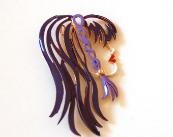 Pop art woman face brooch vintage