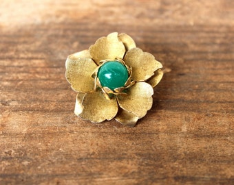 A Sweet Vintage Floral Brooch With Green Glass Gem
