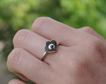 Silver ring with natural sapphire,sterling silver ring,handmade sterling silver ring.