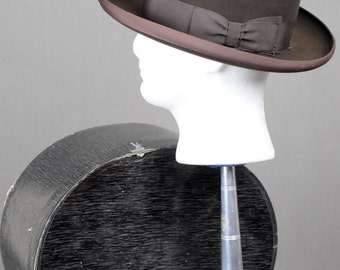 1930s 1940s Oviatts Chocolate Brown Homburg - Pristine Hat - Fine Haberdashery