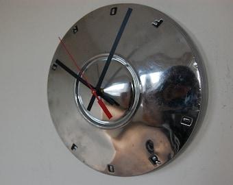 1960-62 Ford Fairlane/Falcon Hubcap Clock