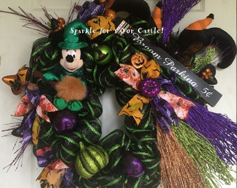 Minnie Mouse Halloween Wreath